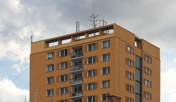 Panelový dům.
